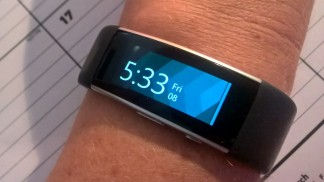 Microsoft Band 2 - wearing on wrist curved screen